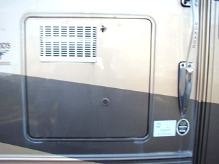 RV SALVAGE 2004 MONACO LAPALMA USED PARTS FOR SALE