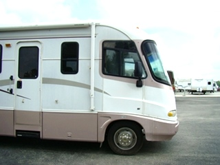 USED RV SALVAGE MOTORHOME PARTS - 2000 HOLIDAY RAMBLER VACATIONER PART