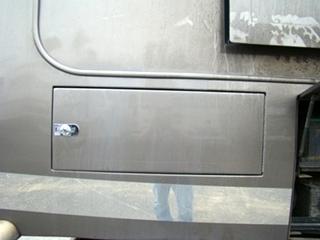 BEAVER PATRIOT THUNDER PARTS DEALER USED 2006 BEAVER MOTORHOME
